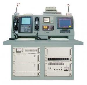 SRC-5000_marineelectronic.eu_console_gmdss_inmarsat_navtex_mf-hf_dsc_photo
