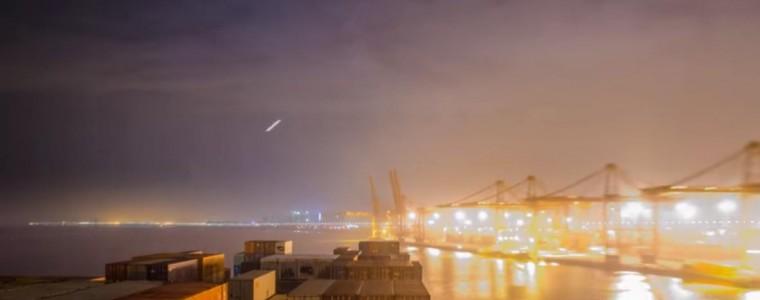 VIDEO: Containership OOCL ATLANTA Passing Hong Kong in 4K HD